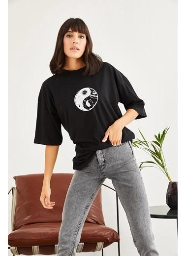 Sortee Kadın Find Balance Baskılı Düşük Kol Oversize T-Shirt Siyah